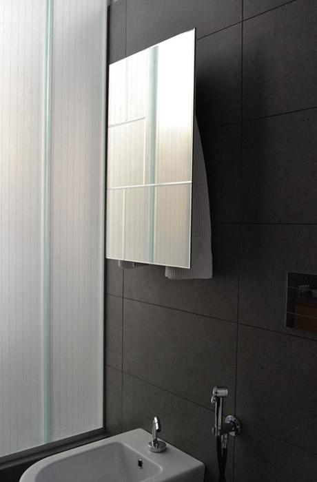 mg12-scaldasalviette-towelwarmers-design2-mirror1